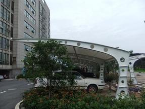 彩钢板汽车候车亭膜结构