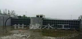 景观底横轴旋转钢坝闸门生产安装