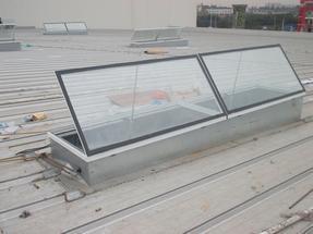 斜屋顶天窗