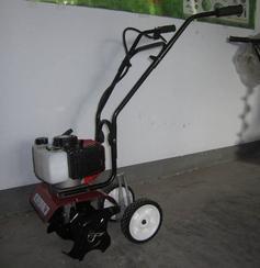 小型除草机