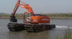 今年我们租赁水陆挖掘机出租水陆挖机出租