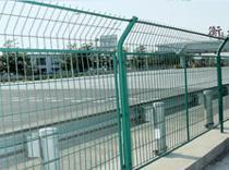 供应高速公路护栏网铁路护栏网机场围栏网机场防护网