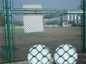 体育场围网保养方式-体育场护栏网尺寸-体育隔离栅高度