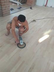 室内运动木地板打磨翻新