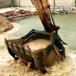 水洗淤泥和沙挖机筛分斗