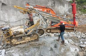房屋基坑坚硬岩石爆破快速拆除设备