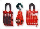 宇雕专业生产各种型号的起重滑车、吊环式起重滑车