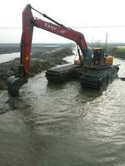大庆市肇州县日本神钢200型水陆两用挖掘机出租服务专业