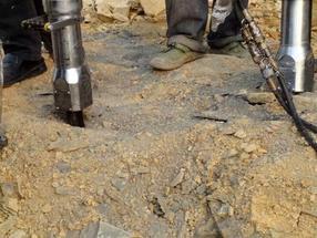 基础岩石爆破开挖施工机械