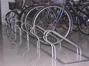 自行车停放架厂家,不锈钢单车停放架价格,卡位式单车停放架
