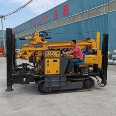 厂家新款气动水井钻机 履带液压气动水井钻机供应