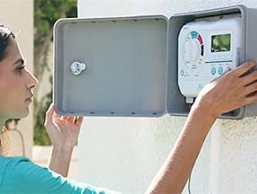 手�C控制智能自�踊��菜�灌溉控制器
