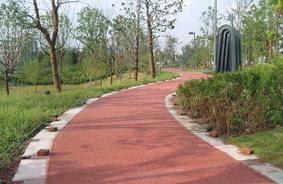 宁夏中卫彩色透水地坪材料施工透水混凝土施工方案