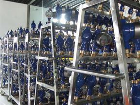 天津智能水表报价!专业生产ic卡预付费水表!全铜防水防潮电子水表热销,供应