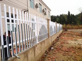 苏州变压器护栏 苏州幼儿园围栏 PVC塑钢栅栏 苏州庭院围栏 苏州厂房护栏 苏州围墙护栏 苏州交通护栏