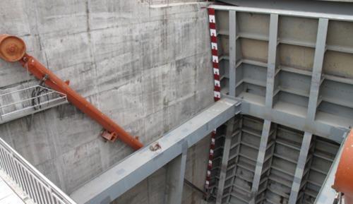 供应QHLY型露顶式弧形闸门液压启闭机