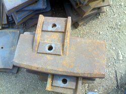 混凝土搅拌机配件、叶片、衬板、搅拌臂等。