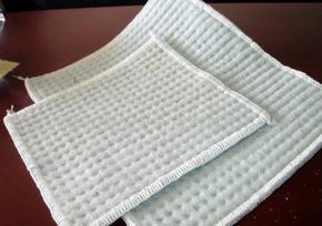 供应新疆膨润土防水毯价格