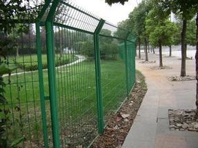 道路隔离网 绿化带隔离网  小区园林隔离网  公路两侧隔离网