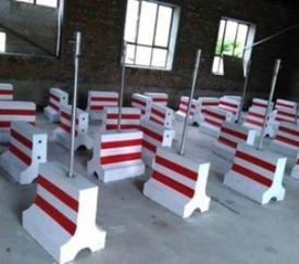 隔离堆批发价/保定乾元水泥制品/隔离堆价格