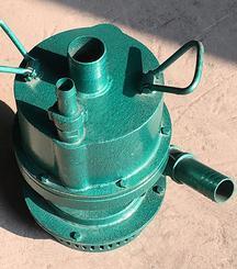 最新研制高扬程大流量潜水泵效果惊人