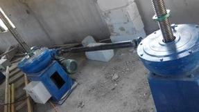水利专用|启闭机 12T QL型双吊点手电两用螺杆式启闭机