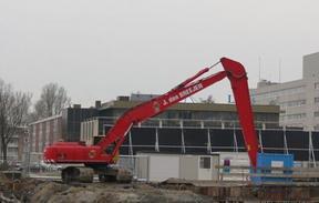 山东挖掘机加长臂原装现货