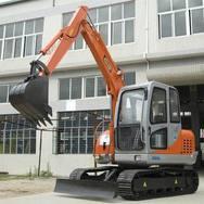 国产全新履带式挖掘机、小型履带式挖掘机