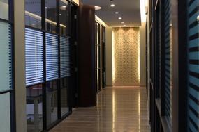 烤漆隔断|上海玻璃隔断|上海高隔间|上海成品隔断|上海办公隔断