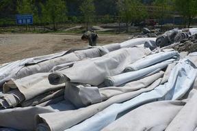 供应土工布、土工布在护坝中的应用