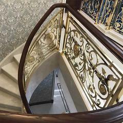 新中式铜艺楼梯加工 铜雕花楼梯扶手美图欣赏