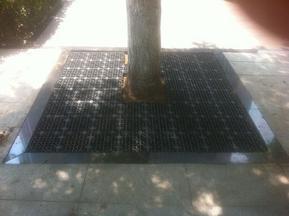 环保型护树板