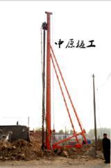 长螺旋钻机河北新河厂家中原桩工