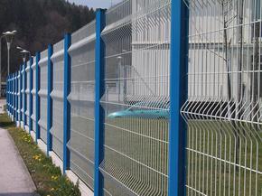 美观耐用三角折弯三道弯护栏网隔离栅