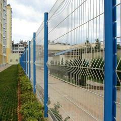三角折弯护栏桃型柱小区护栏网市政园林防护网厂家直销