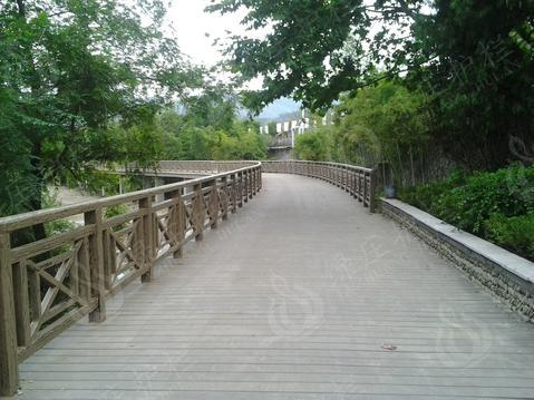 仿木绿道网栏杆