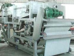 NDYQ型带式浓缩压滤一体机