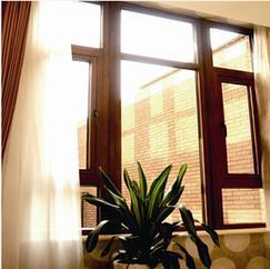 高端实木窗 设计独特 自然 严谨 温馨