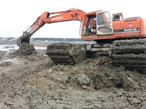 江苏湿地挖掘机出租水上挖机租赁收费合理