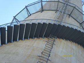 烟筒安装爬梯公司【旋转梯、折梯、之字梯】