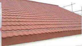內蒙呼倫貝爾彩石金屬瓦圓弧形紅色瓦平改坡輕鋼別墅瓦工程項目瓦