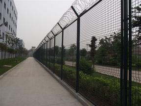 监狱区铁丝网刀刺网护栏价格