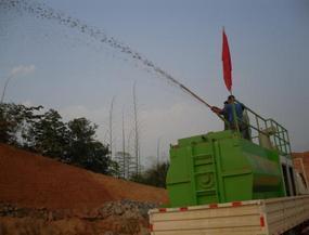高陡坡面綠化植草大面積噴播施工防雨水沖刷施工綠化錦繡團隊