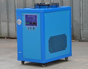 水冷箱式工业冷水机组,上海冷水机,凌通冷水机