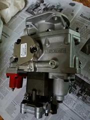 山推SD42推土机燃油泵4913582