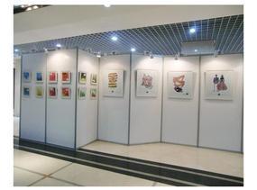 展览器材哪家强 首选立欣书画展览专用艺术展板,艺术板墙,无缝展墙