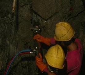 冰洲石开采设备