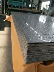 售不锈钢板材、管材、角铁