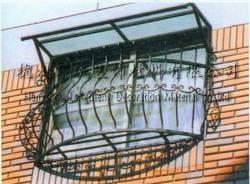 铁艺大门、铁艺扶手、铁艺窗护栏、铁艺外围栏、铁艺室内用品、铁艺日用品、铁艺