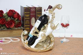 万达彩票红酒酒架雕塑制作
